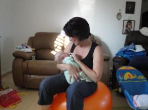 רשימת קניות לתינוק: כדור פיזיו